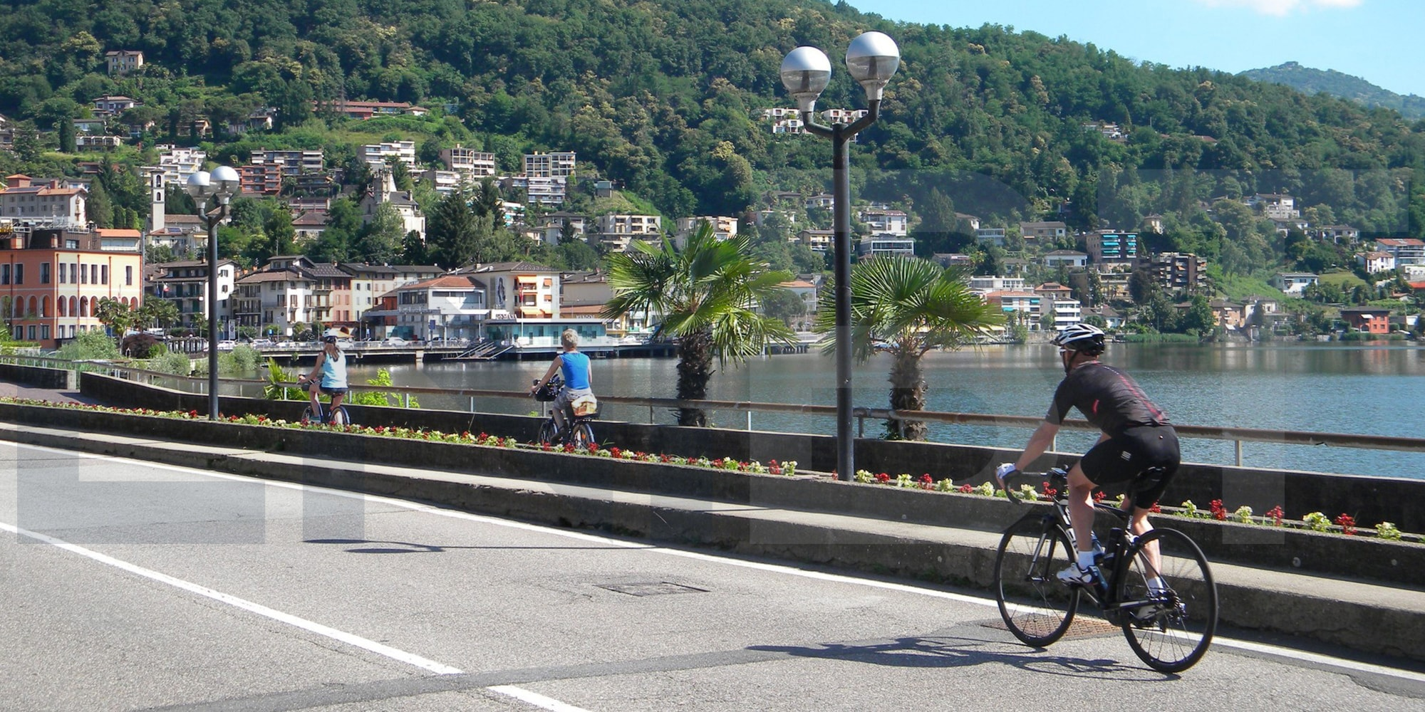 gentle cycling experience italian lakes