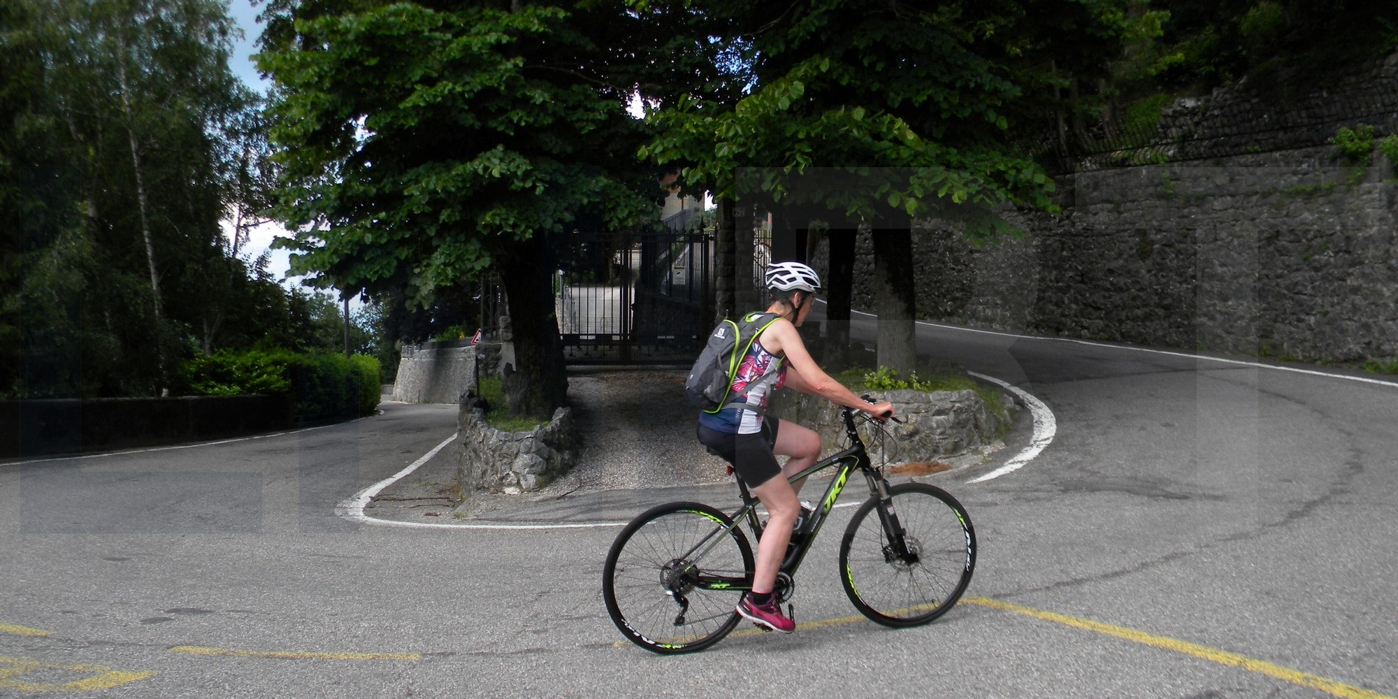 gentle cycling experience Italian Lakes Baveno