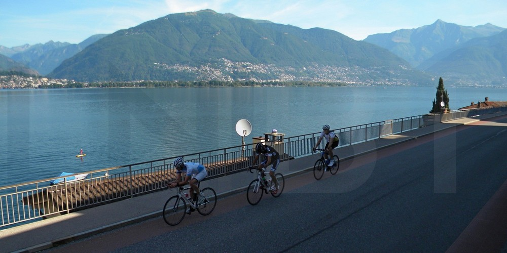 escape road bike tour northern italian lakes