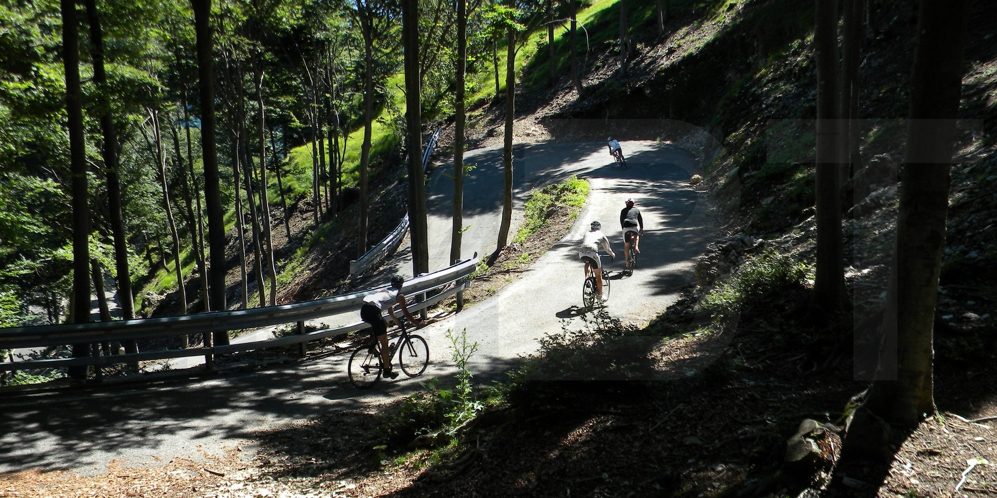 Road cycling in Northern Italian Lakes - Passo Cuvignone