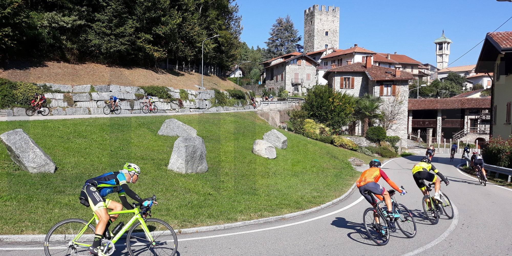 Cycling tour in Northern Italian Lakes
